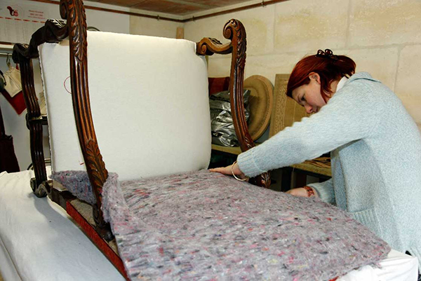 tapissier d'ameublement-refection de sieges-restauration de fauteuils-tapissier decorateur-tapissier garnisseur